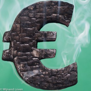 Eurosymbool, smeulend