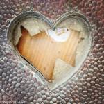 Kapot geslagen hartvormig raam