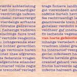 anagram-kaartje met van harte gefeliciteerd op een neutrale houten ondergrond.