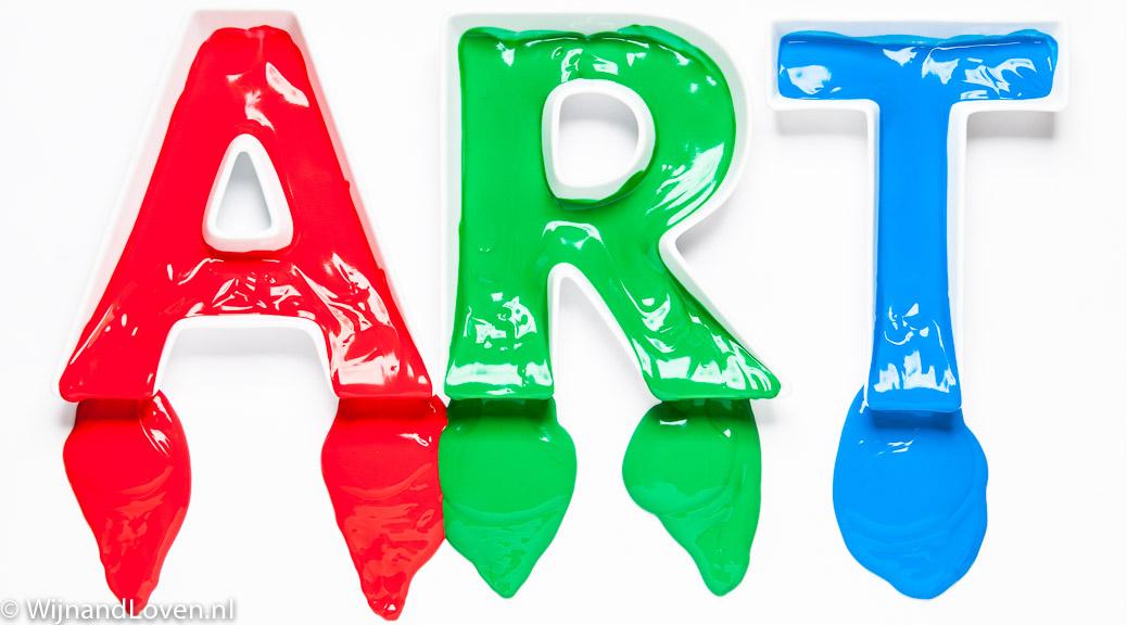 ART gevuld met verf in de primaire kleuren rood groen en blauw