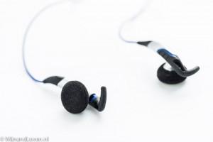 Oortjes van de Sennheiser Adidas MX 685 SPORTS oortelefoon.