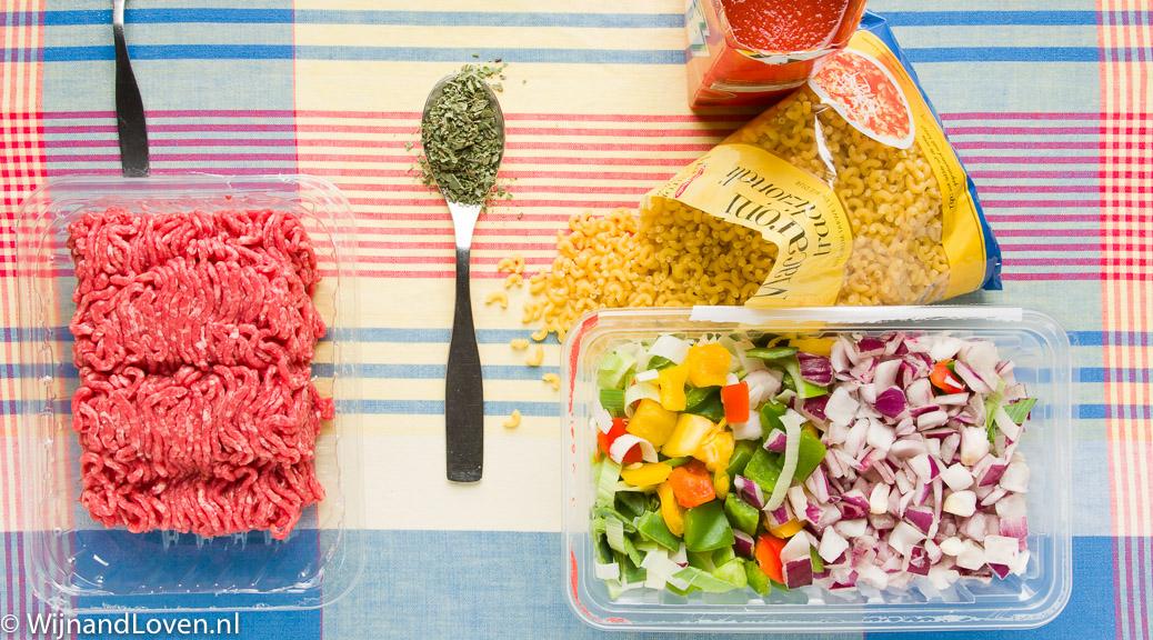 macaronischotel uit de jaren tachtig - de ingredienten