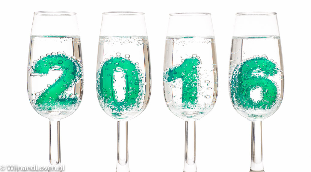 2016 in champagneglazen met echte bubbels